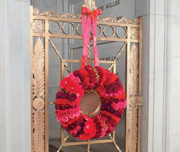 Red Pave Wreath